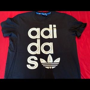 Adidas wrap logo t-shirt size xxl new with no tags